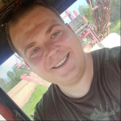 Máté, 25 éves társkereső férfi - Tisztaberek
