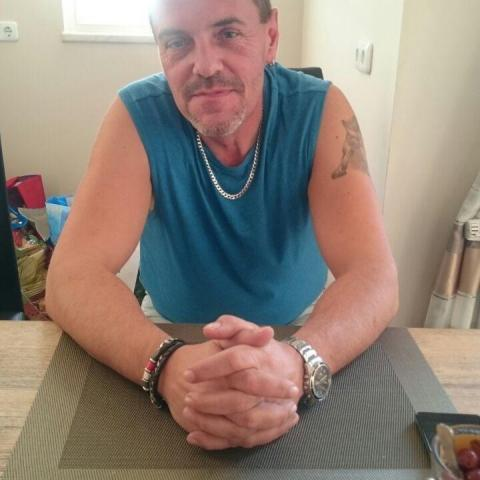 Csaba, 52 éves társkereső férfi - Szeged