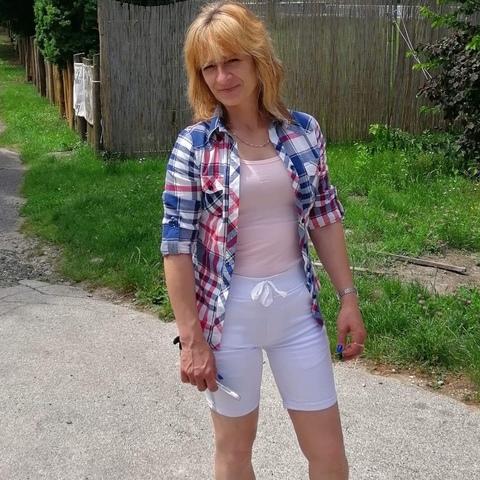 Anikó , 47 éves társkereső nő - Veszprém