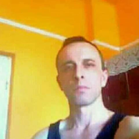 Roberto, 33 éves társkereső férfi - Nyíregyháza