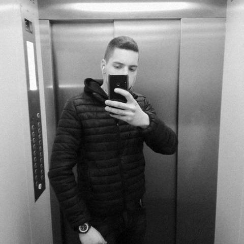 Gergő, 21 éves társkereső férfi - Debrecen