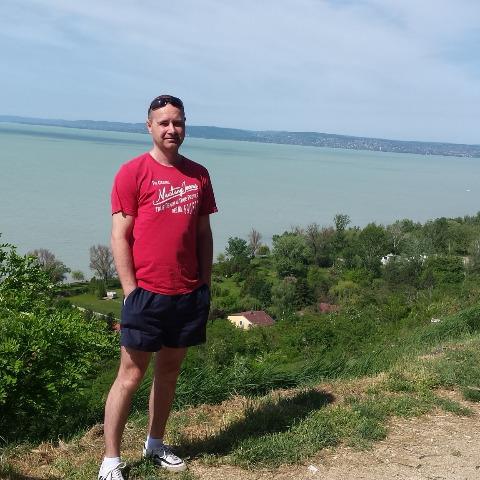 Tomi, 39 éves társkereső férfi - Százhalombatta