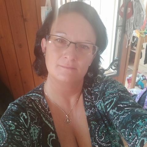 Adrienn, 40 éves társkereső nő - Csömör