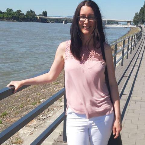 Zsuzsi, 33 éves társkereső nő - Budapest