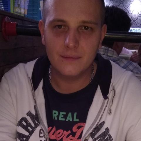 Zsolt, 34 éves társkereső férfi - Salgótarján