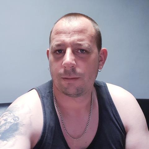 Miklós , 36 éves társkereső férfi - Legyesbénye