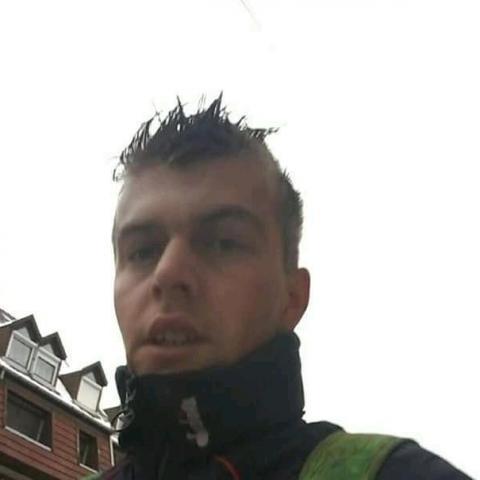 Janos, 27 éves társkereső férfi - Végegyháza