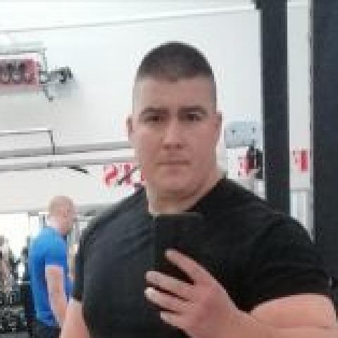 András, 34 éves társkereső férfi - Den Haag