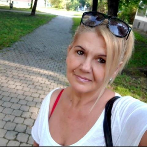 Márta, 56 éves társkereső nő - Szeged
