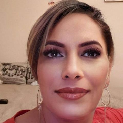 Zsófia, 42 éves társkereső nő - Debrecen
