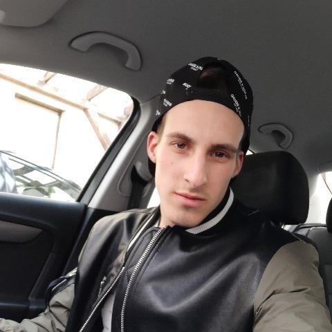 Ádám, 22 éves társkereső férfi - Sopron