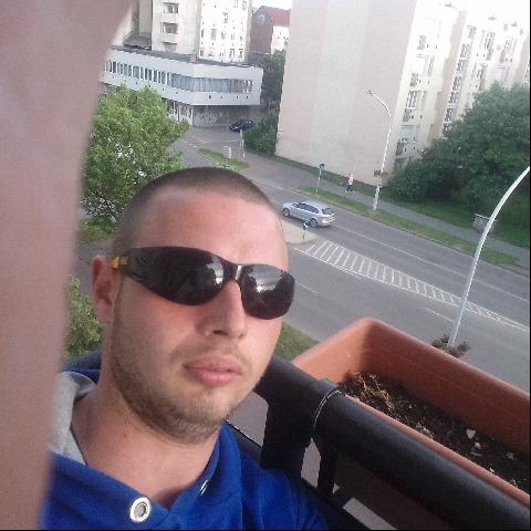 Attila, 23 éves társkereső férfi - Vámospércs