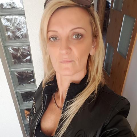 Henci, 49 éves társkereső nő - Dunaújváros