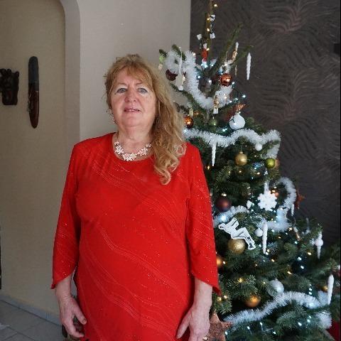 Icuka, 68 éves társkereső nő - Vác