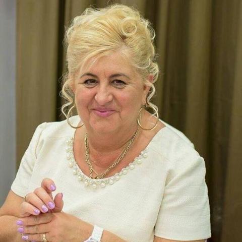 Magdolna, 57 éves társkereső nő - Pécs