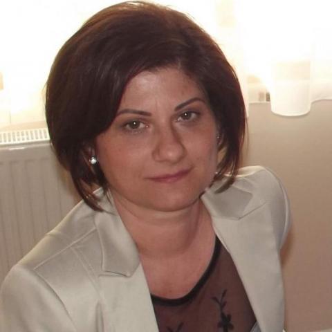 Csilla, 48 éves társkereső nő - Nyíregyháza