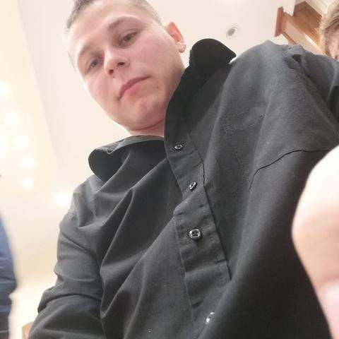 Imre, 27 éves társkereső férfi - Vámospércs