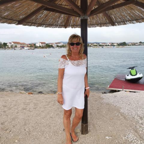 Andrea, 54 éves társkereső nő - Pécs