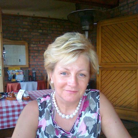 Kata, 58 éves társkereső nő - Szekszárd