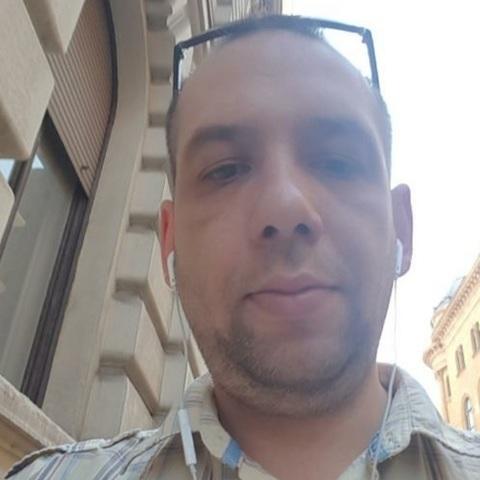 Józsi , 40 éves társkereső férfi - Apc