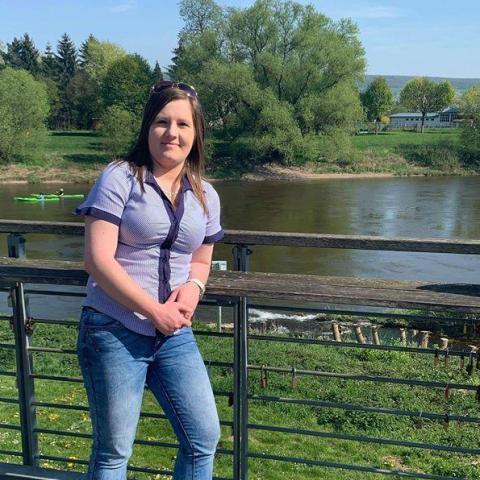 Adrienn, 30 éves társkereső nő - Zalaegerszeg