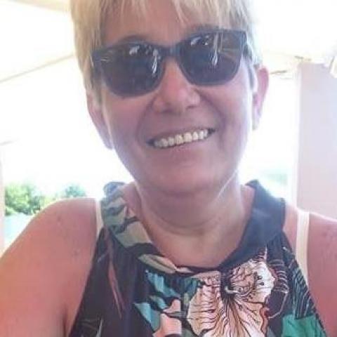 Zsuzsa, 54 éves társkereső nő - Debrecen