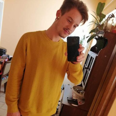 Dávid, 23 éves társkereső férfi - Székesfehérvár