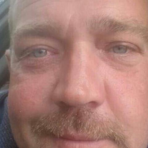 Balázs, 40 éves társkereső férfi - Sand