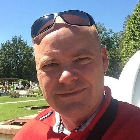 Róbert, 49 éves társkereső férfi -