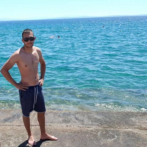 Ádám, 26 éves társkereső férfi - Pécs