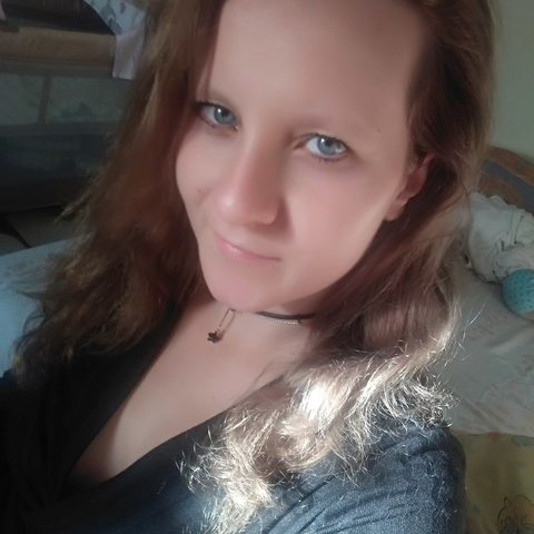 Zsuzsi, 26 éves társkereső nő - Bicske