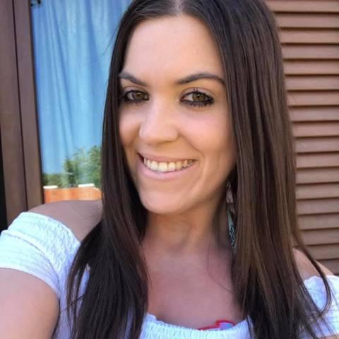Dóra, 28 éves társkereső nő - Debrecen