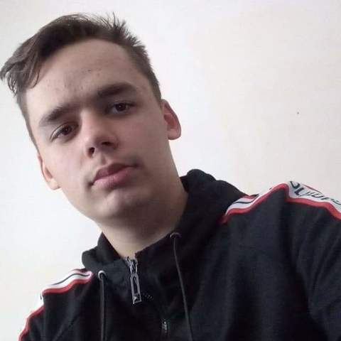 Balázs, 17 éves társkereső férfi - Csongrád