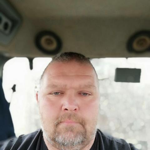 Laci, 44 éves társkereső férfi - Apaj