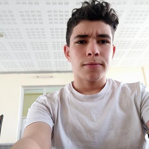 Mohamed, 19 éves társkereső férfi - Debrecen
