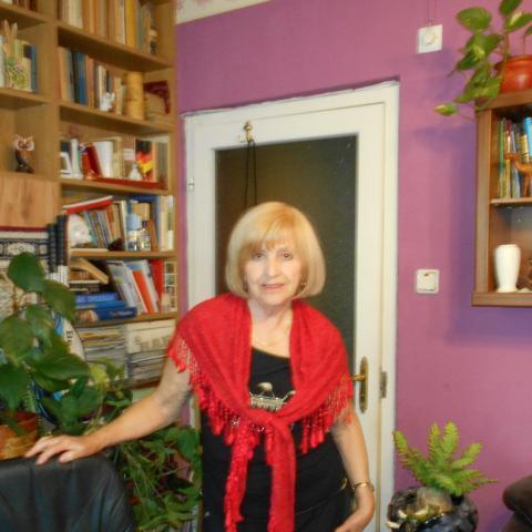Katinka, 80 éves társkereső nő - Budapest