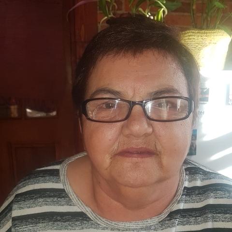 Julianna, 66 éves társkereső nő - Hantos