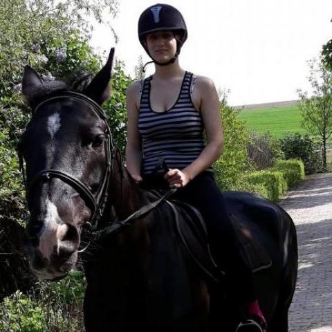 Anika, 22 éves társkereső nő - Dunaföldvár