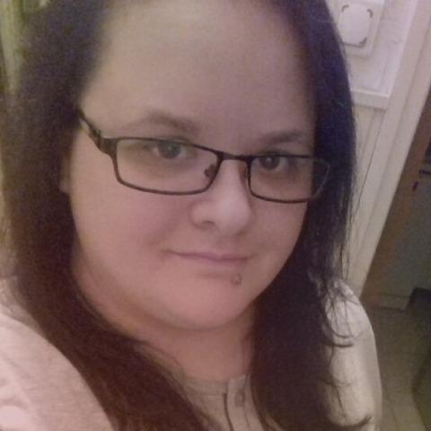 Móni, 31 éves társkereső nő - Miskolc