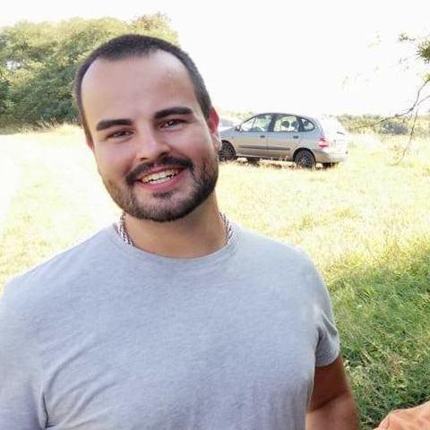 Bence, 28 éves társkereső férfi - Tát