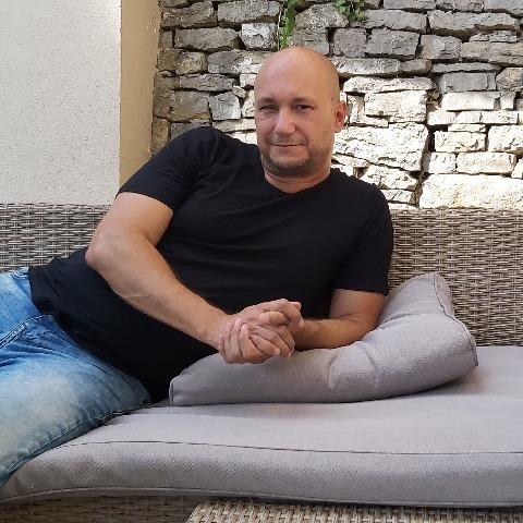 Robi, 49 éves társkereső férfi - Pécs