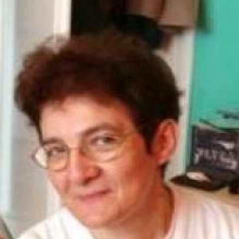 Ági, 68 éves társkereső nő - Szolnok