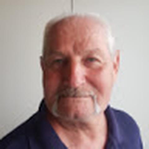Tibor, 70 éves társkereső férfi - Szeged