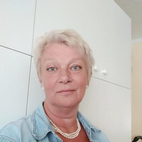 Gabi, 59 éves társkereső nő - Tatabánya