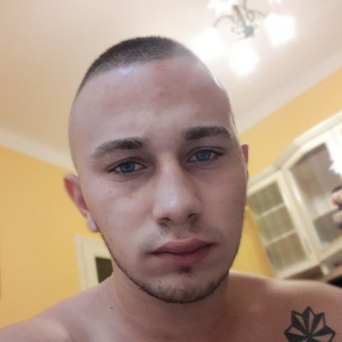 Tamás, 18 éves társkereső férfi - Miskolc