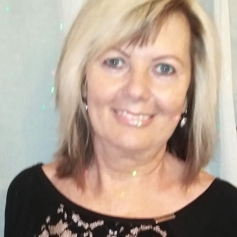 Kati, 57 éves társkereső nő - Paks