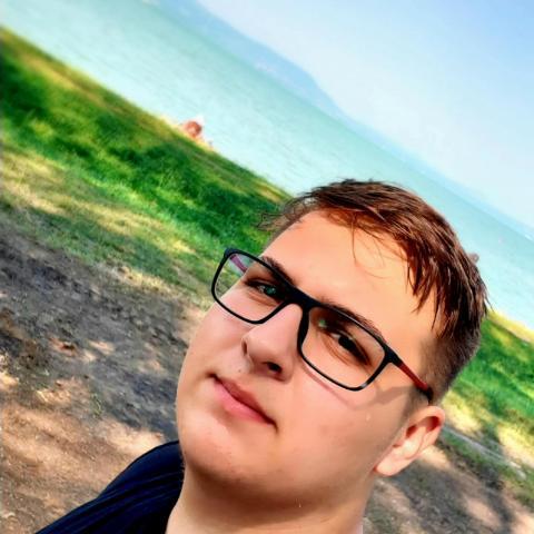 Zsombor, 20 éves társkereső férfi - Szikszó