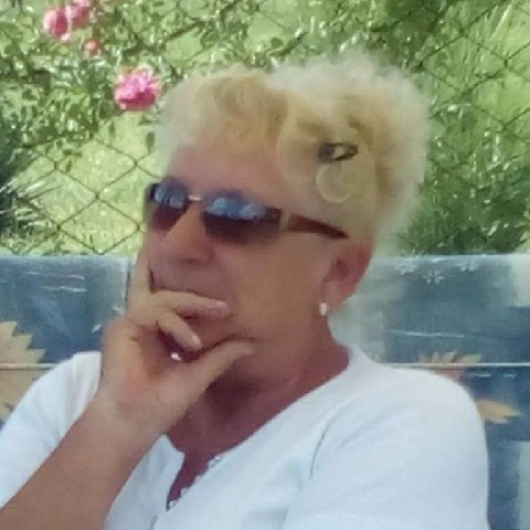 Livia, 69 éves társkereső nő - Vác