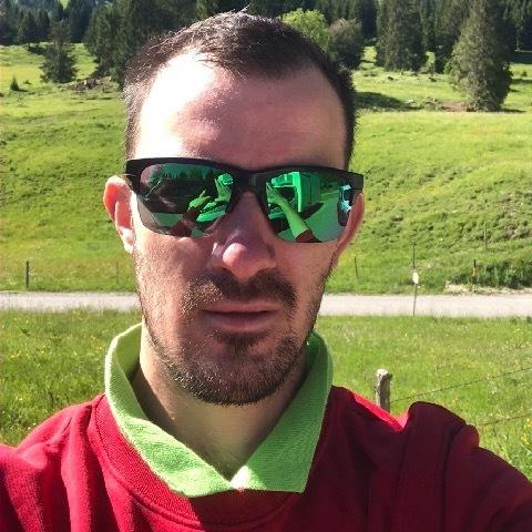 Ferenc, 32 éves társkereső férfi -