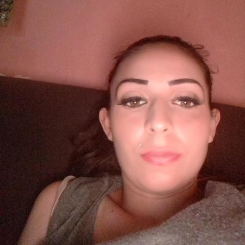 Bernadett, 29 éves társkereső nő - Decs